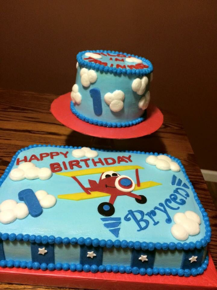 Airplane cake with matching smash cake