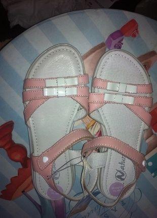 Kaufe meinen Artikel bei #Mamikreisel http://www.mamikreisel.de/kleidung-fur-madchen/sandalen/29477110-naturino-sandalen-neu-gr-32-lack