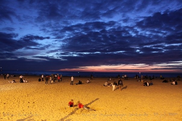 toestel: Canon EOS 50D  licht: lantaarnverlichting dijk  locatie: Strand Oostende