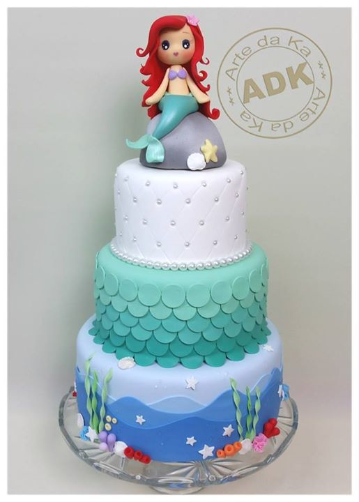 I am making this mermaid cake for my niece Valentina she's turning 3. Hope it comes out this good