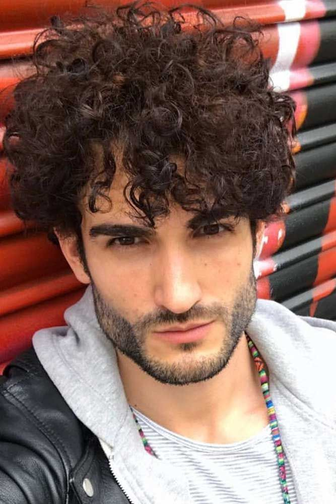 15 Striking Ways To Rock Jewfro Hairstyles For Modern Men Curly Hair Men Mens Hairstyles Curly Hair Styles