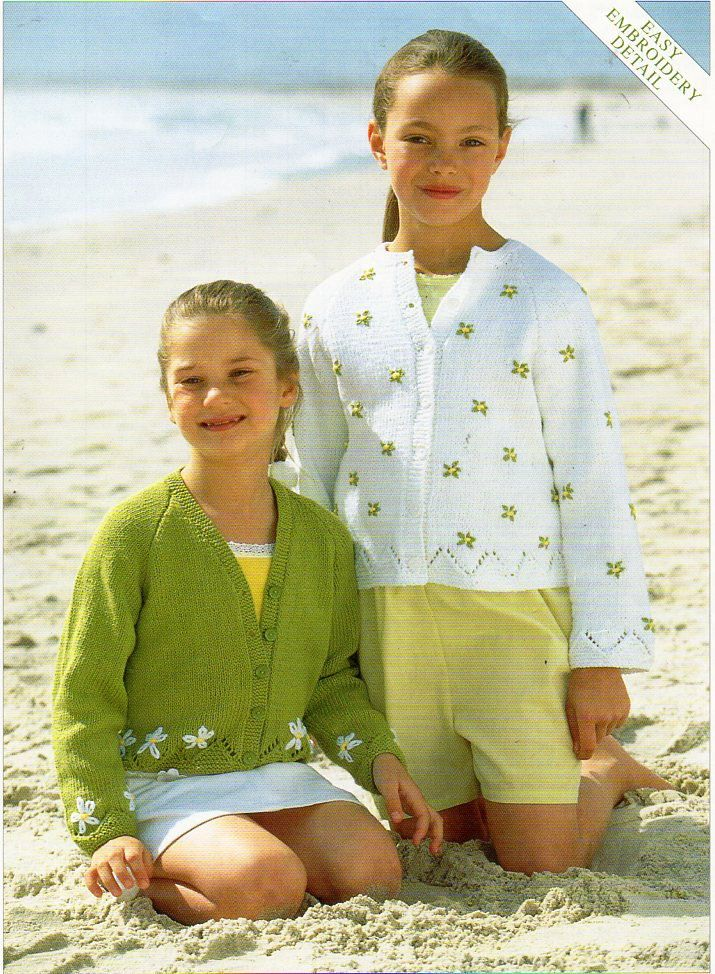 "Girls Cardigan Knitting pattern Embroidered Flowers Girls knit jacket 22-32"" DK…"