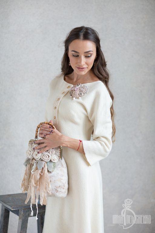 Купить Валяная сумочка «Розы невесты» - войлок, авторская работа, ирина демченко, женственность