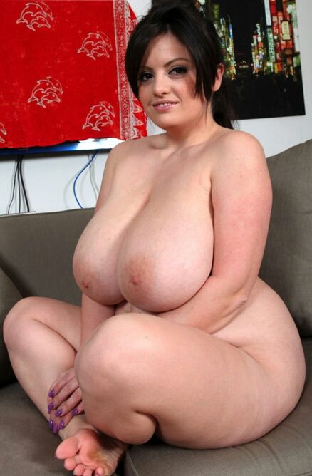Love her big saggy mature tits 7