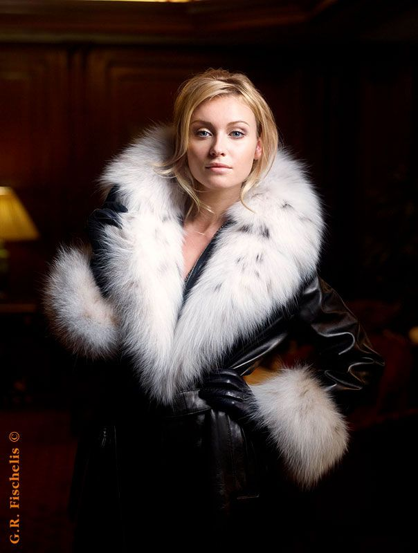 1000  images about Furs for women on Pinterest | Faux fur coats