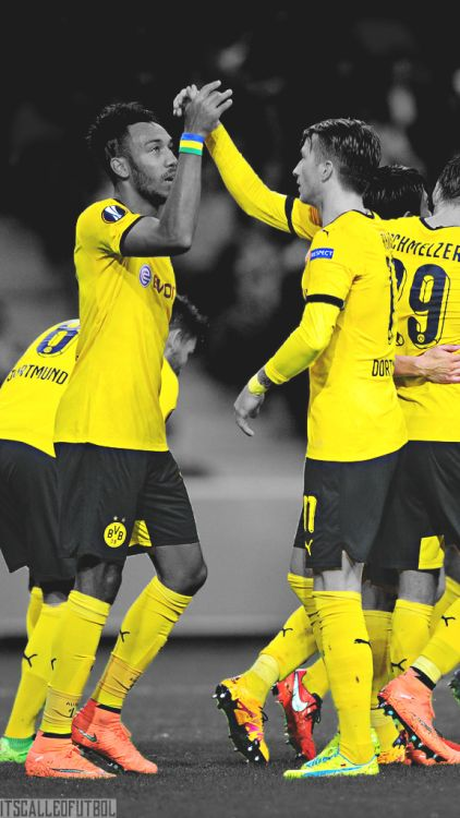 Borussia Dortmund. Lock screen. Aubameyang and Reus.