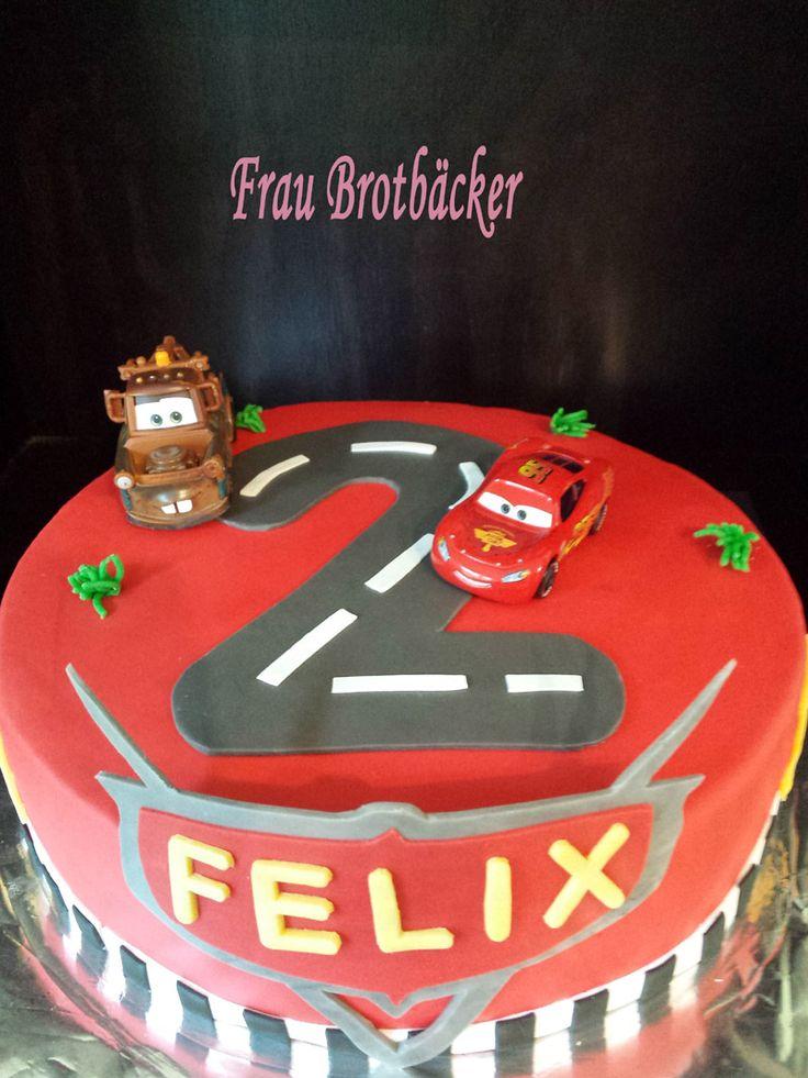 Heute feiert ein kleiner Mann seinen (schon) 2. Geburtstag! Ich durfte dafür eine Torte machen... *freu*... und dabei heraus kam diese ...