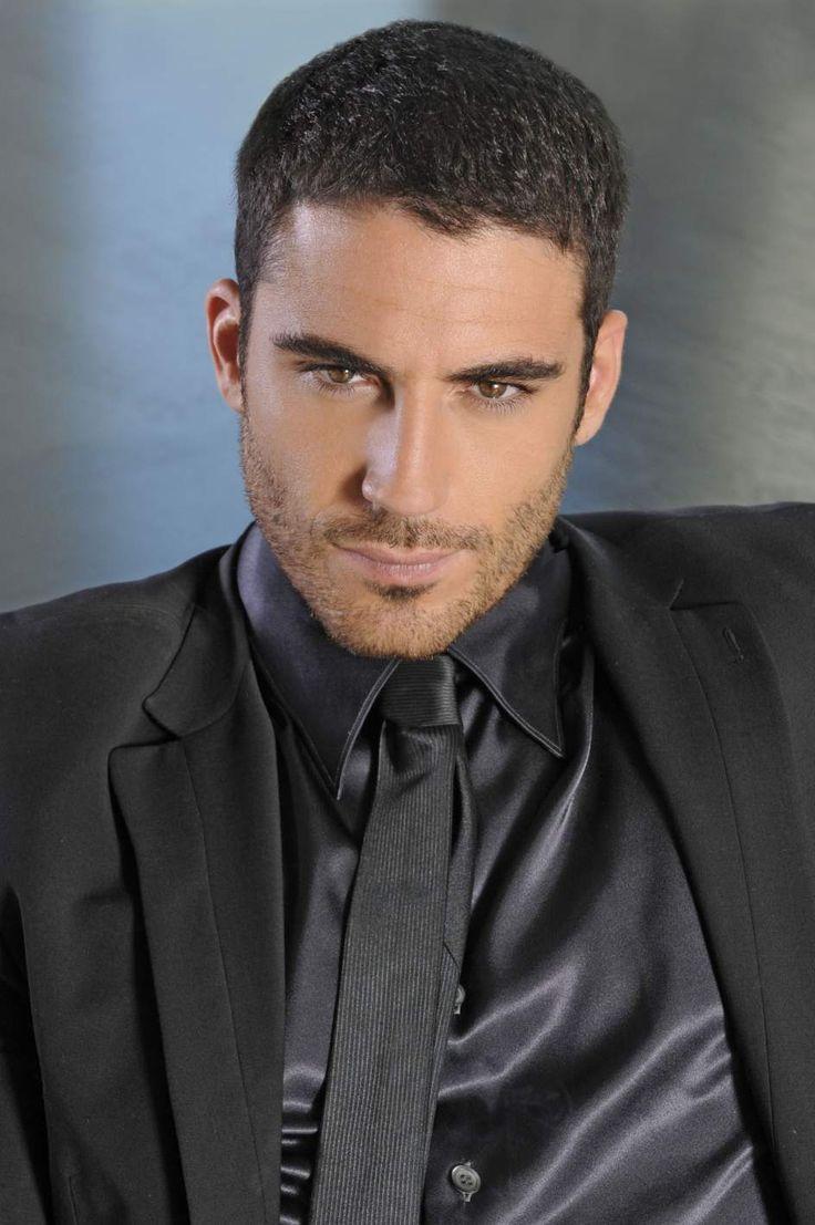 Miguel Ángel Silvestre. Actor Español. (06/04/1982) 34 años.