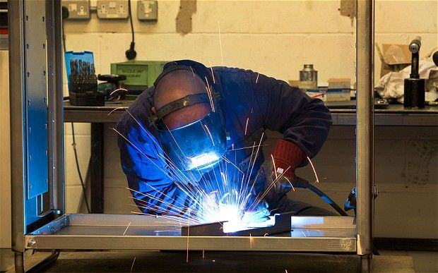 'Triple dip' fears rise on collapse in factory output #Euro #UK #Europe