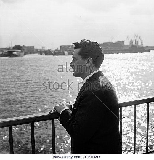 Der irische Sänger Johnny Dane in Hamburg, Deutschland 1950er Jahre. Irish singer Johnny Dane at Hamburg, Germany - Stock Image