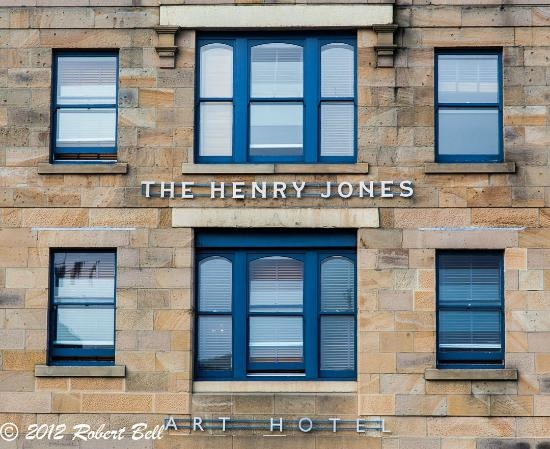 Henry Jones Art Hotel