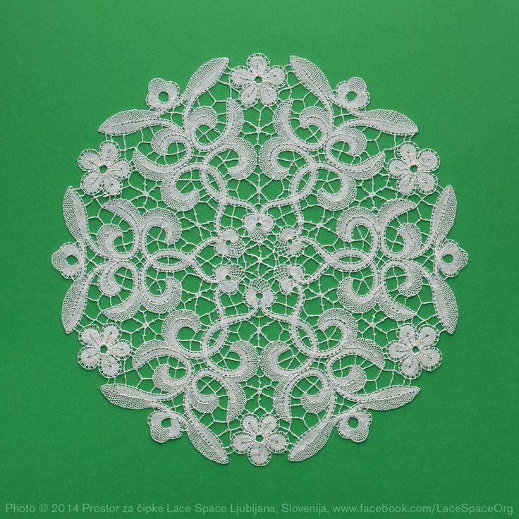Slovenian part lace