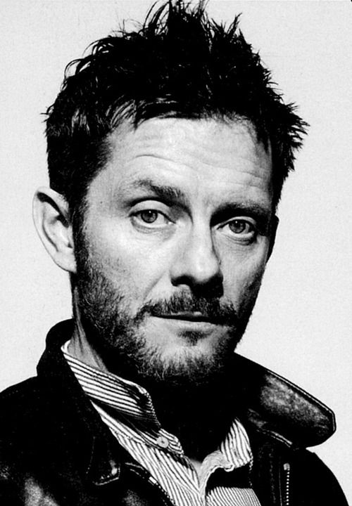 °Jamie Hewlett <3 ° ° °He is probably the greatest inspiration to me, he is a amazing  person and artist, i am going to try and send a letter to him :Dead