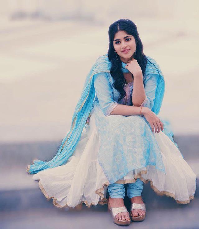 Meghaakash Indianactress Bollywood Telugu Mallu Blue