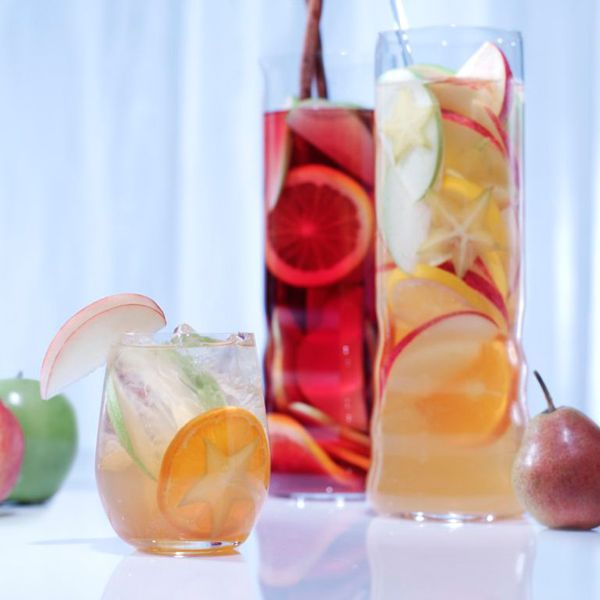 How to make the perfect Van Gogh Dutch Appel Sangria #Cocktail. Discover the original recipe of the Cocktail Van Gogh Dutch Appel Sangria with base spirit, ingredients and tips. #drink