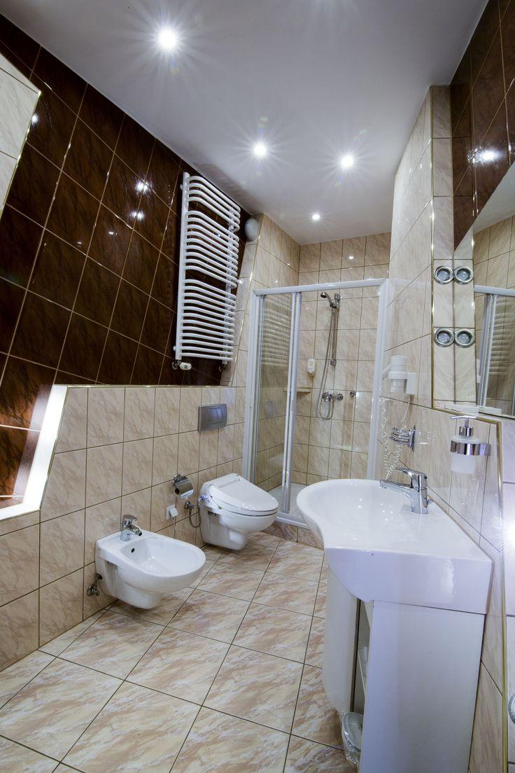Komfortowe, czyste i wygodne wnętrza to dla nas podstawa!   http://www.hotelklimek.pl/  #hotelspa #hotel #poland #bathroom #elegant #musyzna #komfort