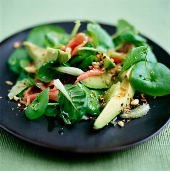 Zesty Cook ~ This is spinach prosciutto salad! Great site for recipes and pictures are great!: Healthy Meals, Spinach Salad, Avocado Salad, Healthy Salad, Salad Ideas, Healthy Eating, Pine Nut, Fast Healthy, Healthy Food