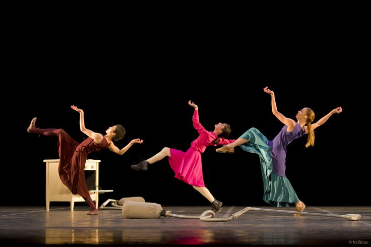 Foto: Jesús Vallinas Bailarinas: Tamako Akiyama, Aída Badía, Emilia Gisladöttir
