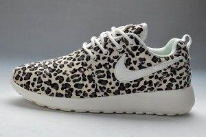Muy baratas nike mujer zapatillas de running roshe run pattern leopardo,negras,beige,blancas factory madrid venta