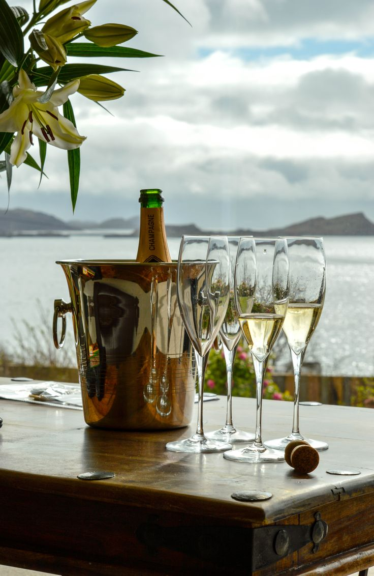 Grannda Mhor is an incredibly special property near Oban set back into the hillside with full length panoramic window taking advantage of the most spectacular seascape views to the South-west across Asknish Bay to the islands of Shuna, Scarba and Jura.