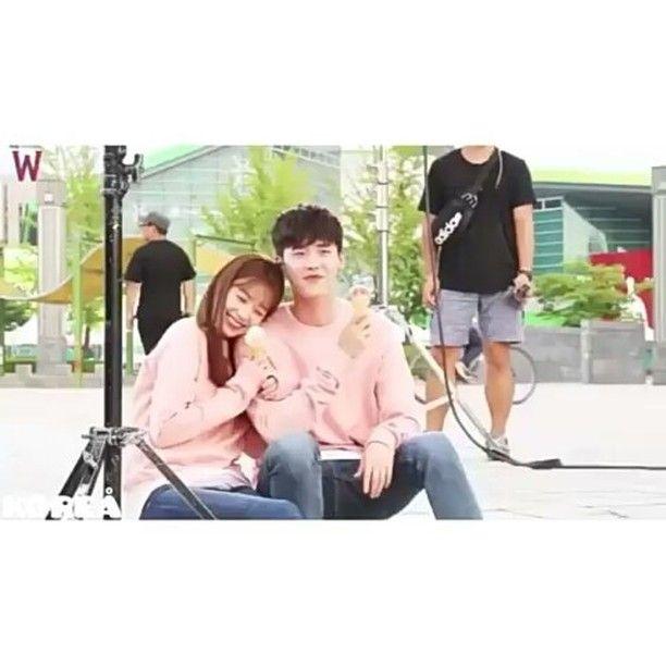 Очень красивая пара Мне так нравится их отношение  Кан Чоль и О Ён Чжу Дорама:W меж двух миров . . . #dorama #wtwoworlds#korea#drama#exo#ioi#nct#redvelvet#bts#got7#twice#2ne1#bigbang#ikon##blacpinj#infinite#bap#aoa#siatar#monstax#seventeen
