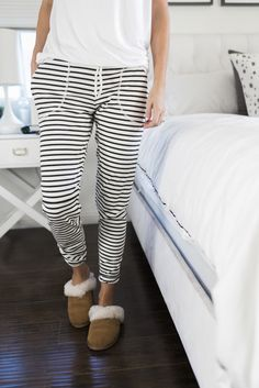 DIY striped lounge pants with pockets and my favorite slippers from @Koolaburra. #KOOLA