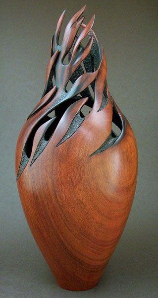 """Escultura de madeira chamado """"Whirlwind"""", de Jack de Vos (2004)                                                                                                                                                                                 More"""