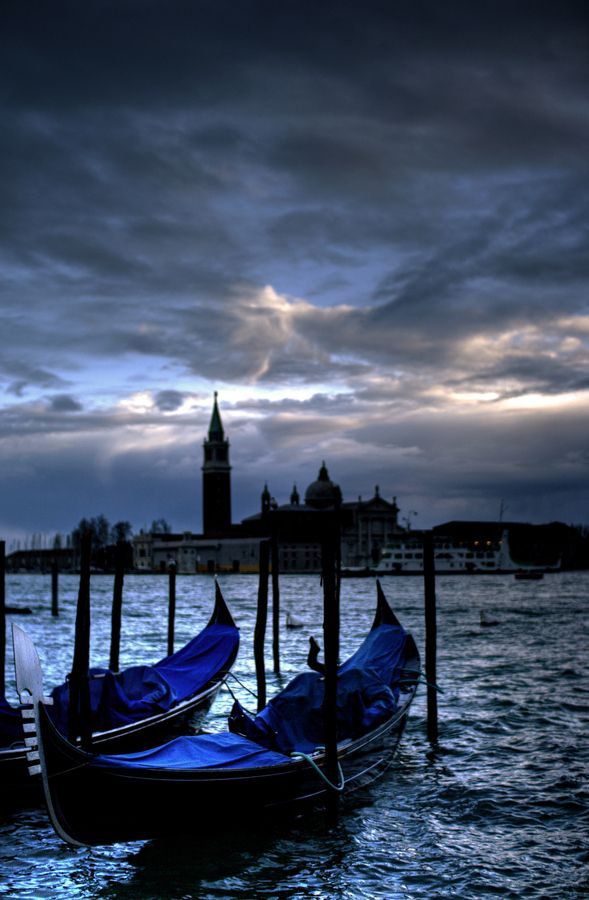 Twilight ~ Venice, Italy   Amazing ✈ World   Pinterest   Venice italy, Italy and Italia