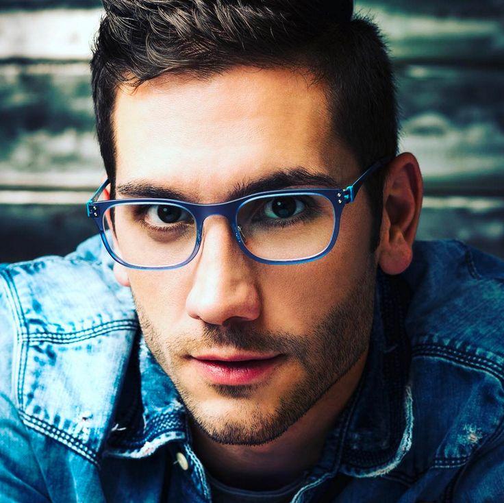 Nylon e metallo combinati in nuove forme e colori: discover the Eblock B-side Vibe!  #eblock #colour #eyewear #madeinitaly #glasses #occhiali#occhialidavista #newmodels #newtechnologies #new #foryoureyesonly#occhialibelli #eyewearculture #eyewearfashion #eyewearstyle #fashion#moda #dolomiti #cadore Ph Nicola Brollo
