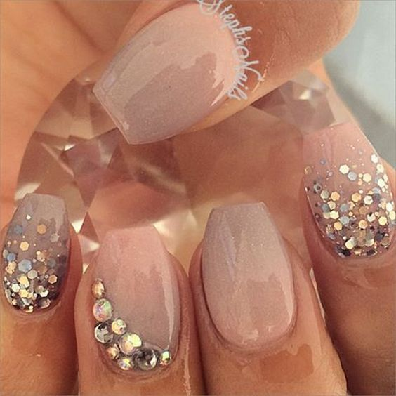 Nude & Glitter Wedding Nails for Brides / http://www.himisspuff.com/wedding-nail-art-desgins/6/