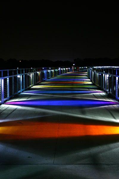 File:Kruidenier Trail Bridge at night.jpg  Des Moines, Iowa