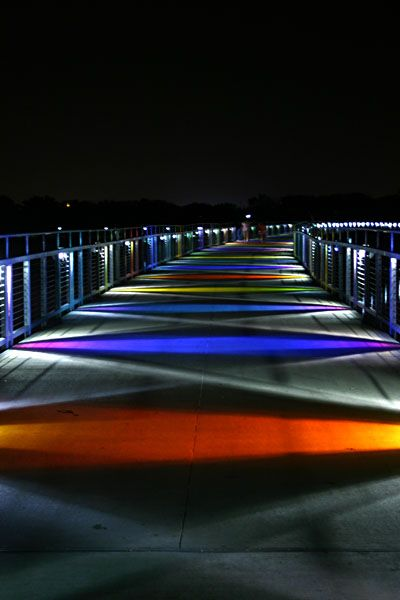 File:Kruidenier Trail Bridge at night.jpg  Des Moines, Iowa