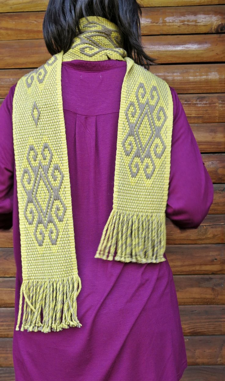 """Scarf woven in Mapuche loom in 100% natural wool, handyed with natural colors. Design named """"Lalen Kuze"""", means mother spider."""