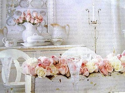 floral home decor, soft colors and vintage style; #flowers #home #decor