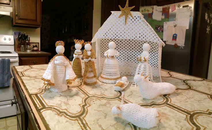 Crochet nativity