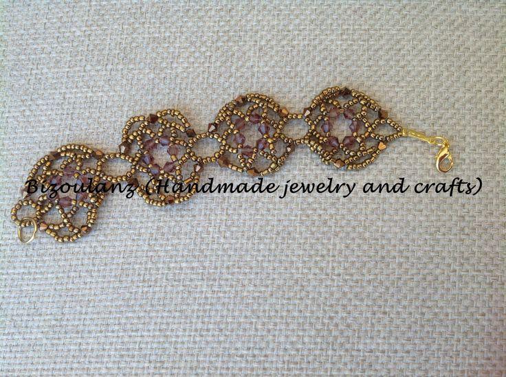Vintage style, beading, motif flowers, lace bracelet