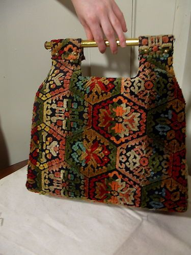 vintage 1970s carpet bag purse