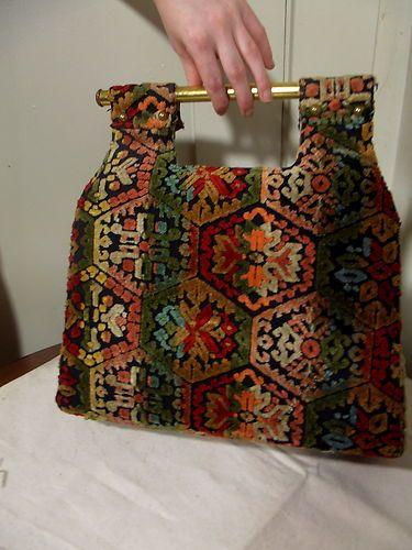 vintage 1970s carpet bag purse