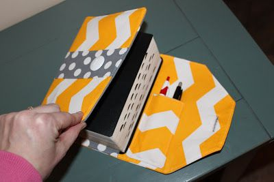 Craft Affection: Scripture Cover, different fabrics....maybe Velcro instead of a button