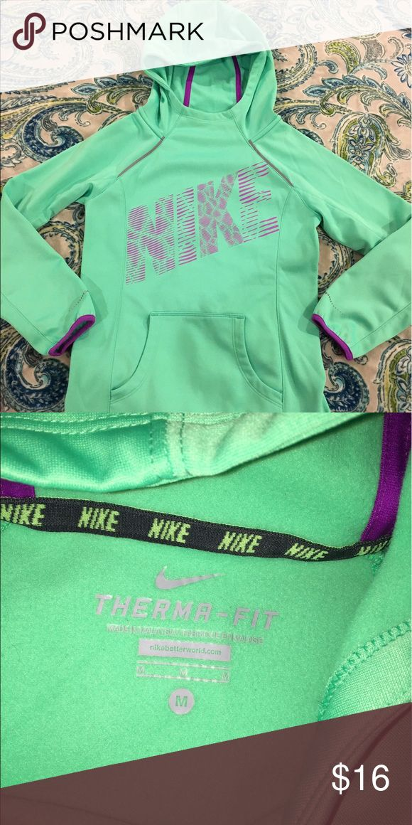 Girls mint green Nike DriFit Hoodie M Girls mint green Nike DriFit Hoodie M NWOT Nike Shirts & Tops Sweatshirts & Hoodies