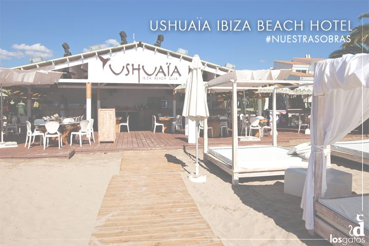 Una de nuestras mejores obras es el Hotel Ushuaïa de Ibiza. Fuimos los encargados de instalar las puertas, los suelos y de realizar alguna labor de decoración. Este fue el resultado y esperamos que os guste.