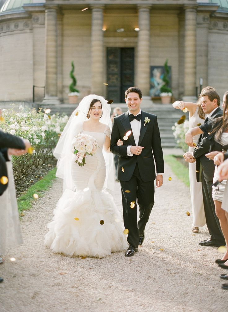 #confetti  Photography: KT Merry - ktmerry.com Floral Design: Sol Flor - solyflor.fr/  Read More: http://www.stylemepretty.com/2014/01/16/paris-destination-wedding-at-hotel-crillon-part-i/
