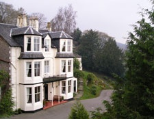 Abbots Brae is a lovely small family-run Hotel situated in its own woodland garden. Eight spacious bedrooms are individually named after places within the stunning Cowal Peninsula, with each room displaying photographs and the history related to the place-name.