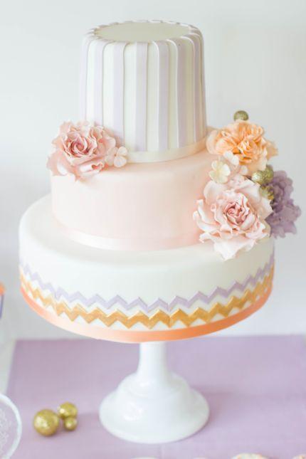 Hochzeitstorte  von  www.suess-und-salzig.de  www.sweet-candy-table.de