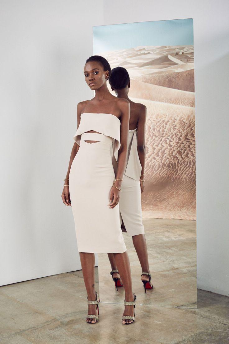 http://www.vogue.com/fashion-shows/pre-fall-2017/cushnie-et-ochs/slideshow/collection
