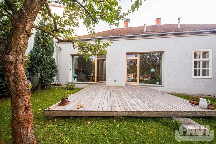 Šedé balkóny a terasy inspirace - Rekonstrukce rodinného domu v Telči - Favi.cz