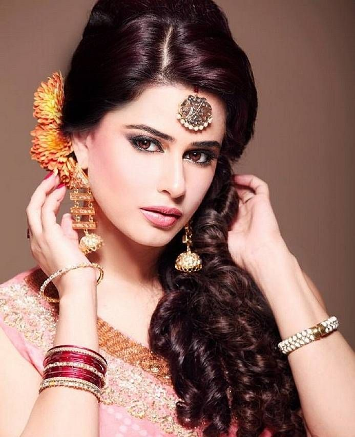 indian wedding hairstyle gallery%0A Find another beautiful images Medium Long Hairstyles      For Wedding