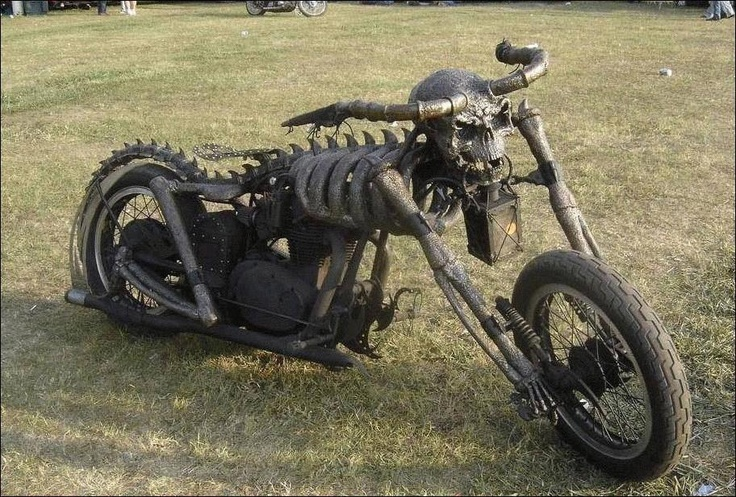 skeleton chopper. No seat, ouch! | Art from the unexpected ...
