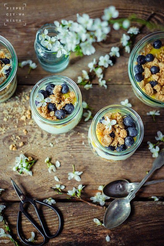 pieprz czy wanilia fotografia i kulinaria: Nie byle jaka kruszonka, owoce i krem :)