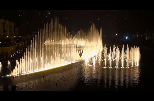 """The World's Largest Choreographed Fountain Performs The Song """"Baba Yetu"""" Using Over 6,000 Lights."""